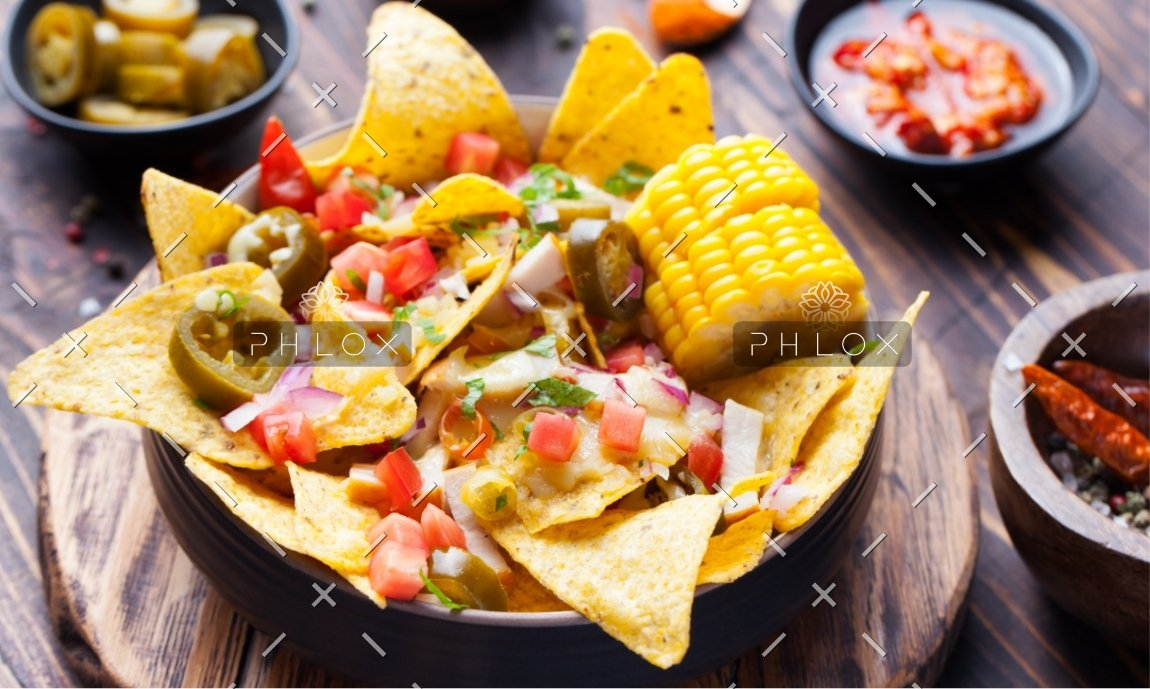 demo-attachment-1167-nachos-with-melted-cheese-sauce-salsa-corn-cobs-PMBWCHA